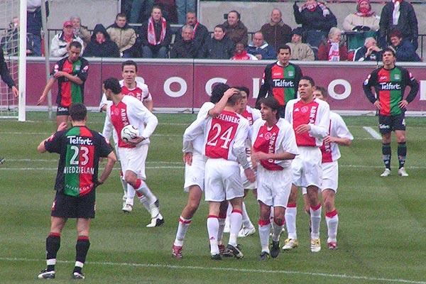 Ajax gaat tegen NEC op dezelfde beroerde wijze verder: 1-1 ...